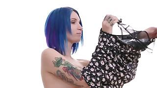 Blue-haired courtesan fucking